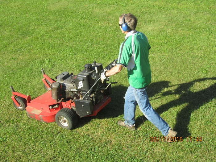 mowing-lawn-binghamton